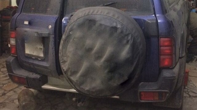 İstanbul'da polis uyuşturucuyu cipin egzozunda buldu