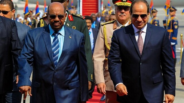 Sudan's Bashir in Egypt in sign of thawing ties