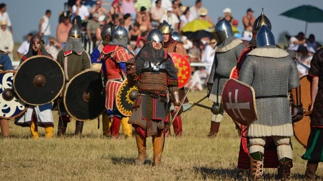 Macarların kafası karıştı: Türklerle akraba mıyız?