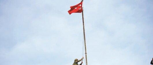 100 yıl önce Çanakkale <br>100 yıl sonra Afrin