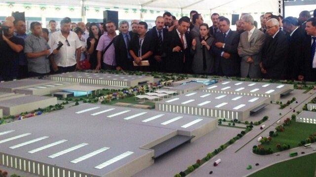 الجزائر تبدأ الإنتاج في أكبر مصنع للنسيج بإفريقيا بشراكة تركية