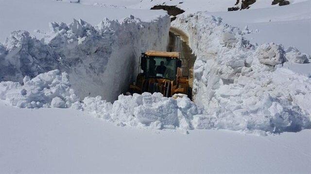 Görüntüler Türkiye'den: Kar kalınlığı 4 metreye ulaştı