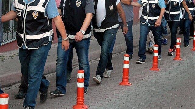 Mardin merkezli 6 ilde FETÖ operasyonu: 8 polise gözaltı