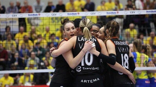 Voleybol Kadınlar CEV Kupası'nda Eczacıbaşı VitrA finale yükseldi
