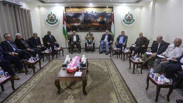 فصائل فلسطينية تدعو عباس لعدم اتخاذ إجراءات عقابية ضد غزة