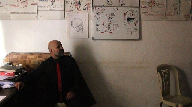 طبيب يروي للأناضول تفاصيل تعذيبه على يد الإرهابيين في عفرين