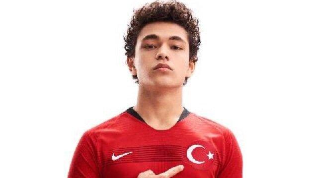 Türk futbolunun yeni jenerasyonu Galatasaray'dan çıkabilir