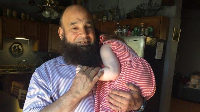 Ölümü bekleyen çocuklar, sadece onun evinde huzur içinde uyuyabiliyor: Muhammed Bzeek