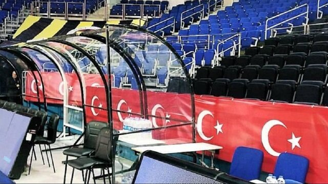İsrail ekibine <br>Türk bayraklı cevap