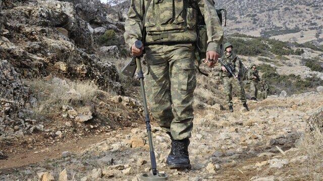 Bitlis'te mayının patlaması sonucu 1 askerimiz şehit oldu.