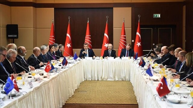 Turkey's main opposition leader meets EU ambassadors