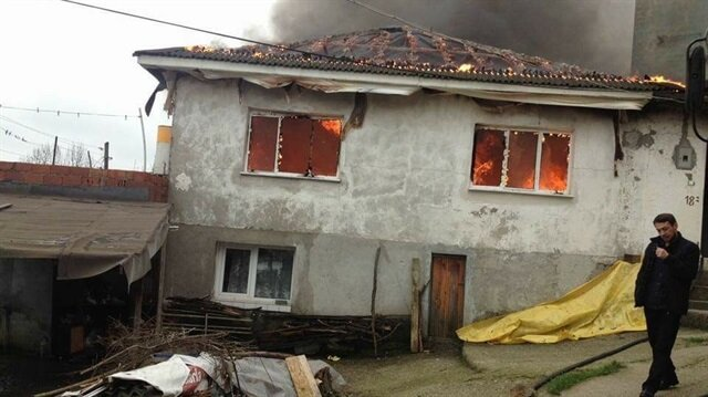Zonguldak'ın Çaycuma ilçesinde meydana gelen yangın.