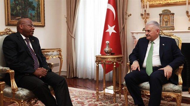 يلدريم يبحث مع وزير خارجية ليسوتو سبل تطوير العلاقات