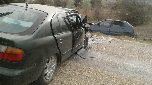 Babasının cenazesine giden hamile kadın kazada hayatını kaybetti