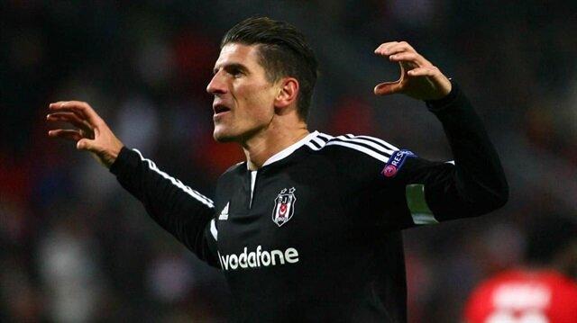 Mario Gomez 'özledim' dedi Beşiktaş taraftarı sosyal medyayı salladı