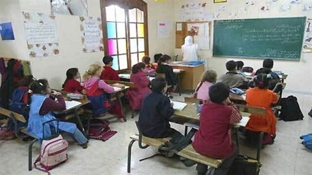 معلم أجنبي يخنق تلميذا في مدرسة بدبي