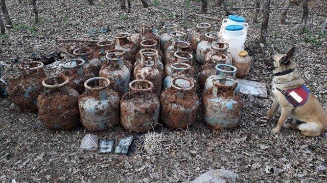 Teröristlere ait 48 tüp ile yaşam malzemeleri ele geçirildi.