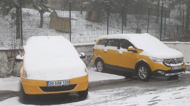 Kırklareli'nde kar yağışı 3 santimetreye ulaştı.
