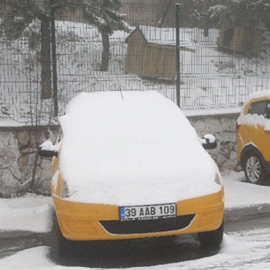 İstanbul'un yanı başına kar geri döndü