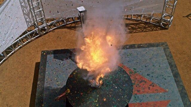Topun ağır çekimde patlama anı böyle görüntülendi