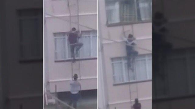 Karabük'te iki çocuk, evin içinde unutulan anahtar için canlarını hiçe saydı.