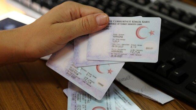 Çipli kimlik kartları Türkiye genelinde kullanılmaya devam ediyor.