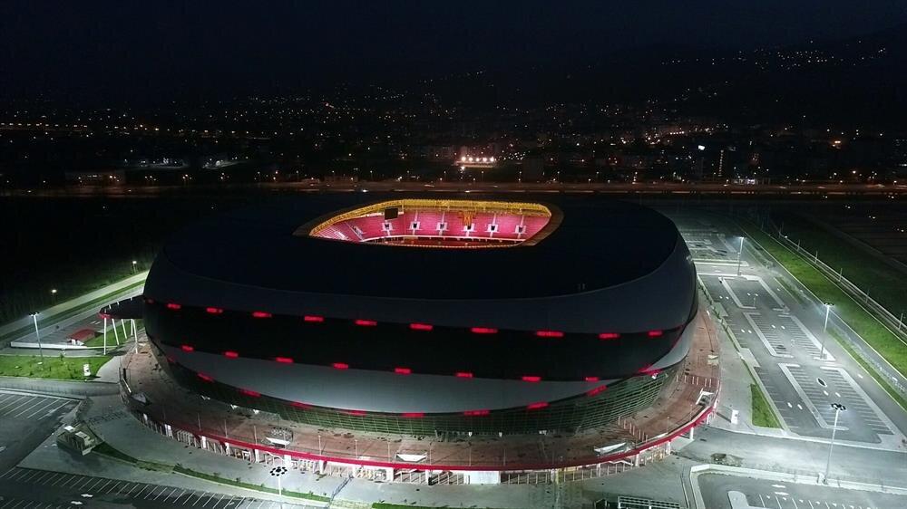 Samsun Yeni 19 Mayıs Stadyumu'nun açılışı 29 Temmuz 2017 tarihinde Samsunspor ile Ankaragücü arasındaki dostluk karşılaşmasıyla yapılmıştı.