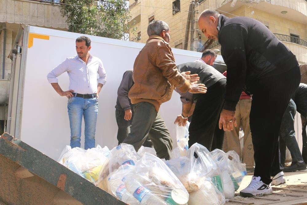 Mehmetçik ve ÖSO'nun Zeytin Dalı Harekâtı ile teröristlerden temizlediği Afrin'e insani yardımların daha kolay ulaştırılabilmesini sağlamak amacıyla Hatay'dan bölgeye geçiş için yeni bir gümrük kapısı açılacak.