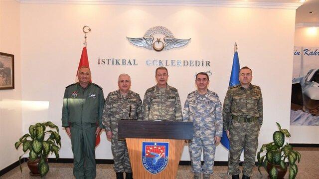 Akar 7. Ana Jet Üs Komutanlığında denetlemede bulundu.