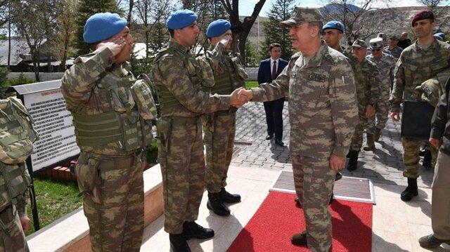 Genelkurmay Başkanı Orgeneral Akar birlikleri denetledi.