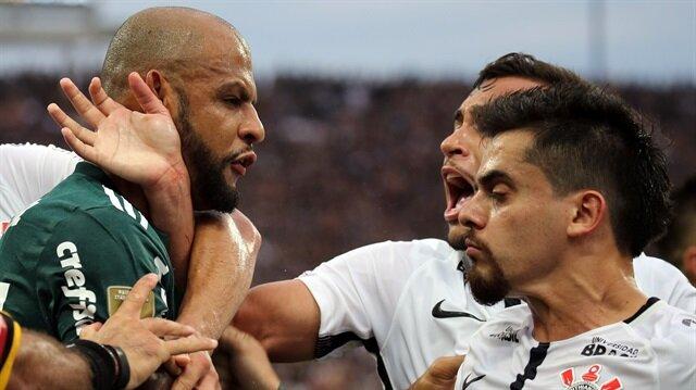 Felipe Melo kavgayı ayırırken kırmızı kart gördü
