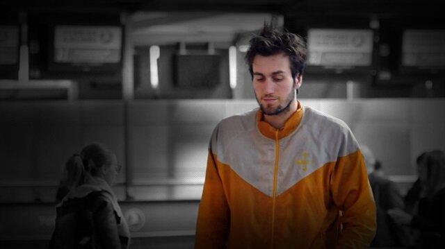 Havalimanında yaşayan genç basketbolcu Mehmet Şanlı hastaneye kaldırıldı