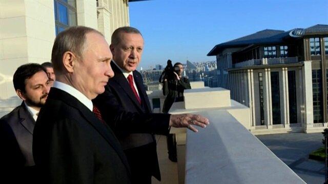 Cumhurbaşkanı Erdoğan, Putin ile külliyenin balkonunda