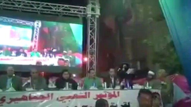 Sisi'nin vekillerinin üzerine dev ekran böyle devrildi