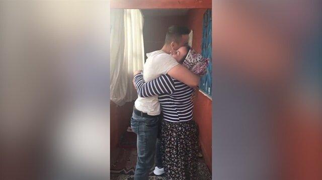 Asker oğlunun annesine yaptığı duygu dolu sürpriz