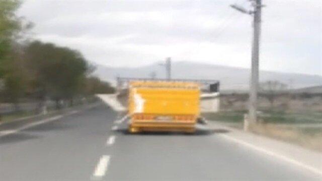Trafikte tehlikeli yolculuk kamerada
