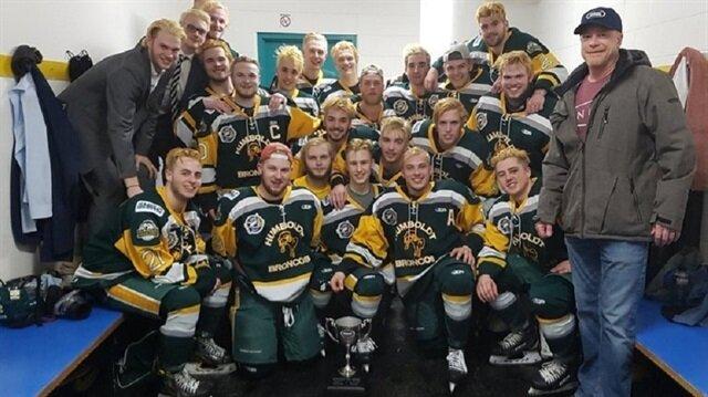Kanada'da hokey takımını taşıyan otobüs kaza yaptı: 14 ölü