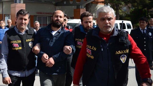 Eskişehir'de 4 kişiyi öldüren zanlı tutuklanarak cezaevine gönderilmişti.