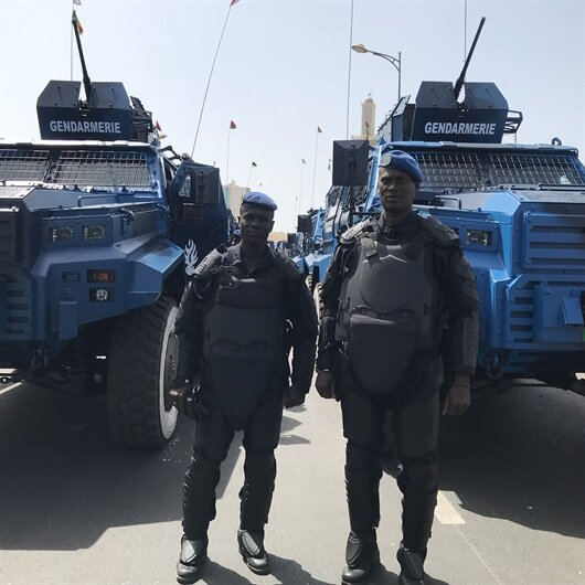 Senegal Cumhurbaşkanı'nı Türk zırhlıları korudu