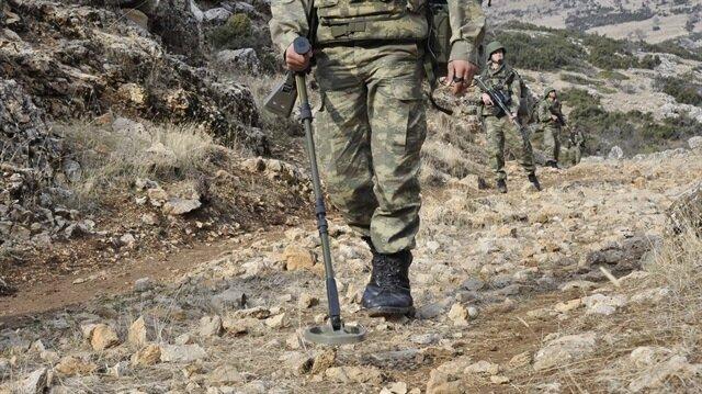 Güvenlik güçleri tarafından mayınların arama-imha faaliyetleri devam ediyor.