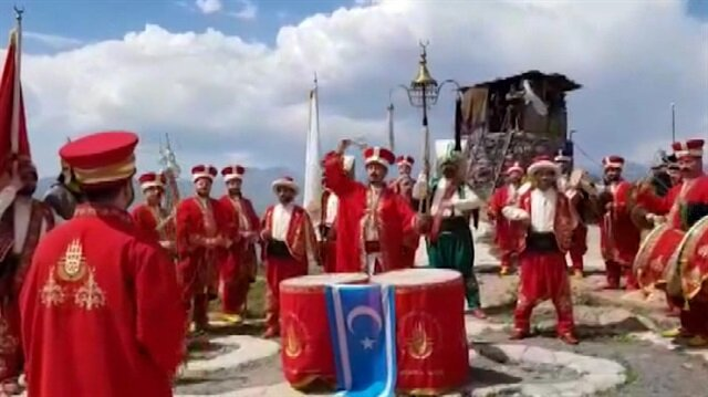 İBB Mehter Takımı Çukurca'da moral konseri verdi