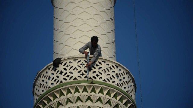 Tüfekle minareye çıkıp vatandaşlara böyle ateş açtı