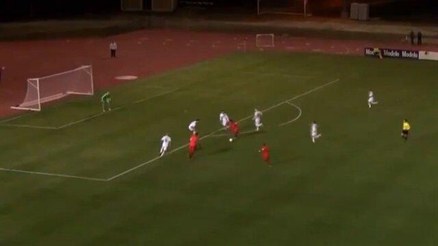 Eski Galatasaraylı futbolcudan muhteşem gol