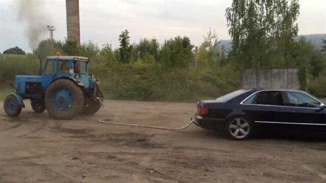 Traktörü çekemeyince sinir krizi geçiren Audi sürücüsü!