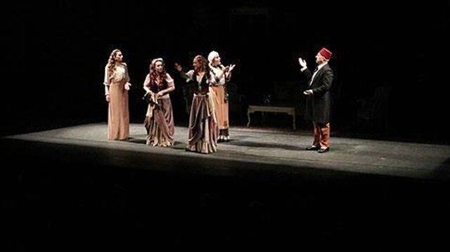 Devlet Tiyatroları'ndan yerli yazarlara ödül