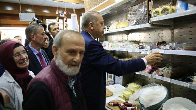 Cumhurbaşkanı Erdoğan peynirciden alışveriş yaptı