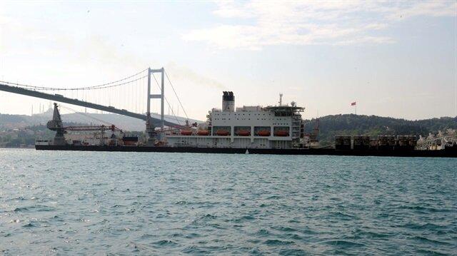 İstanbul Boğazı gemi geçişlerine açıldı