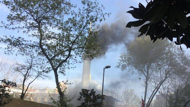 Şişli'de bulunan Teşvikiye Camii'nde yangın çıktı.