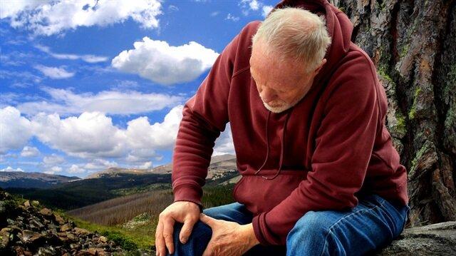 Bel ve bacak ağrıları omurilik darlığı belirtisi olabilir