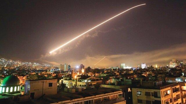 ABD, İngiltere ve Fransa, Suriye'deki çeşitli hedeflere bomba yağdırdı.